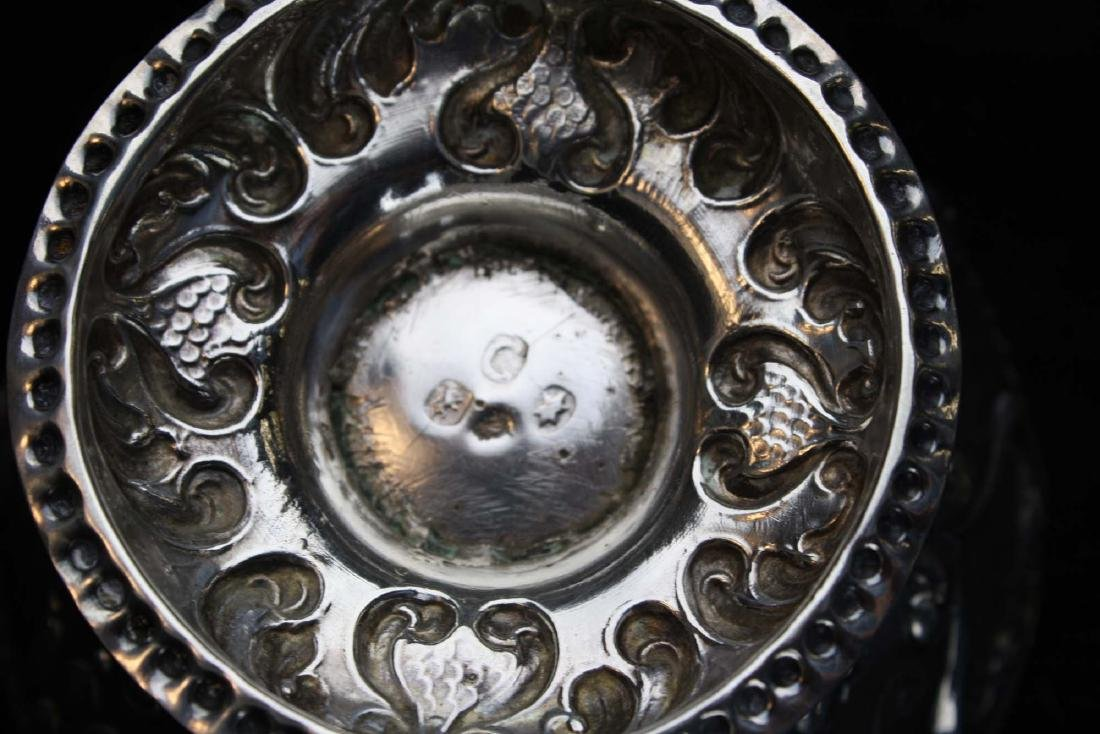 19th c. Dutch repousse silver footed bowl - 8