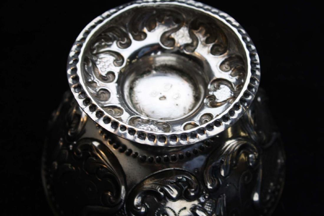 19th c. Dutch repousse silver footed bowl - 9