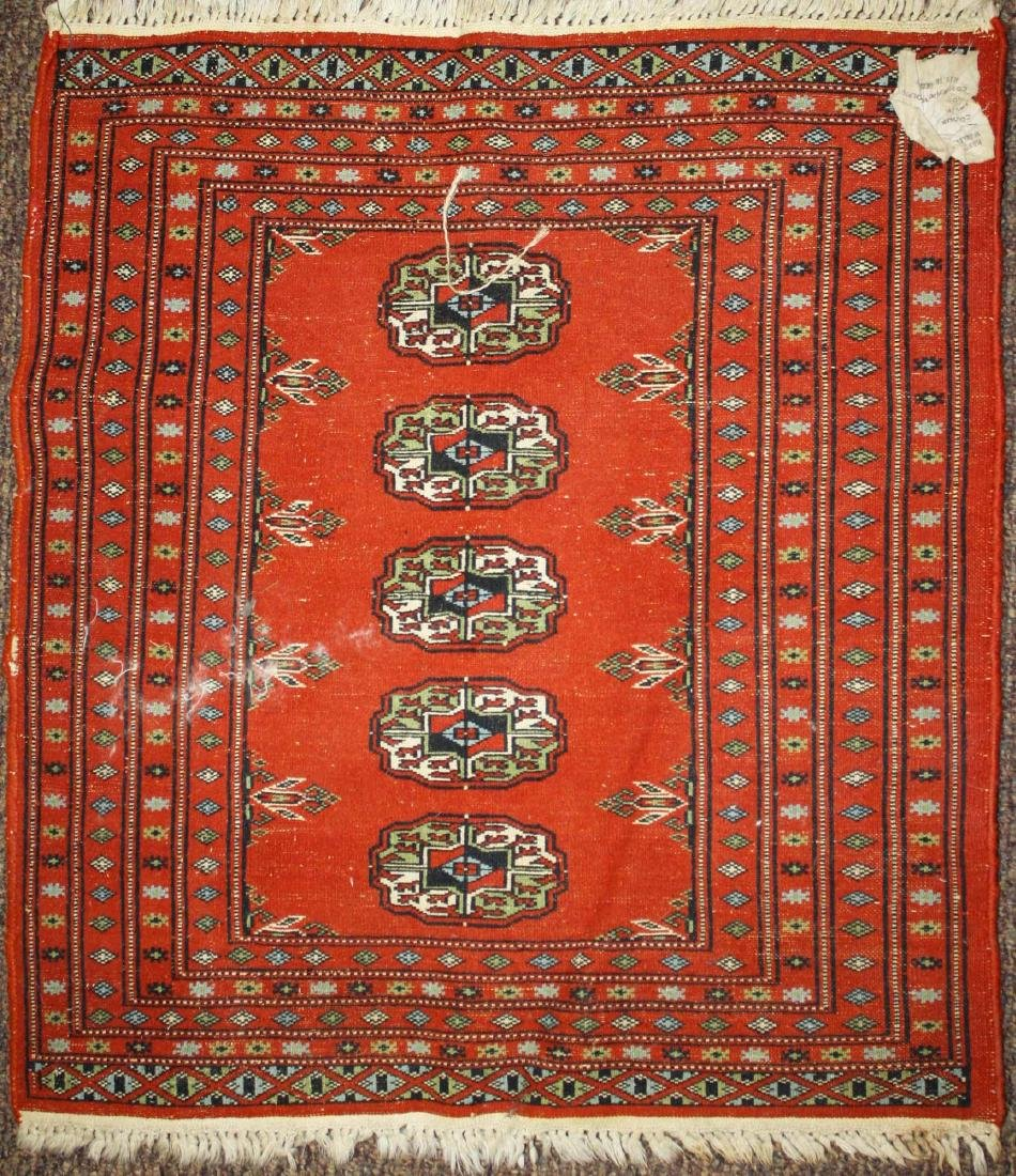 mid 20th c Tekke scatter rug, one row of 5 guls - 4