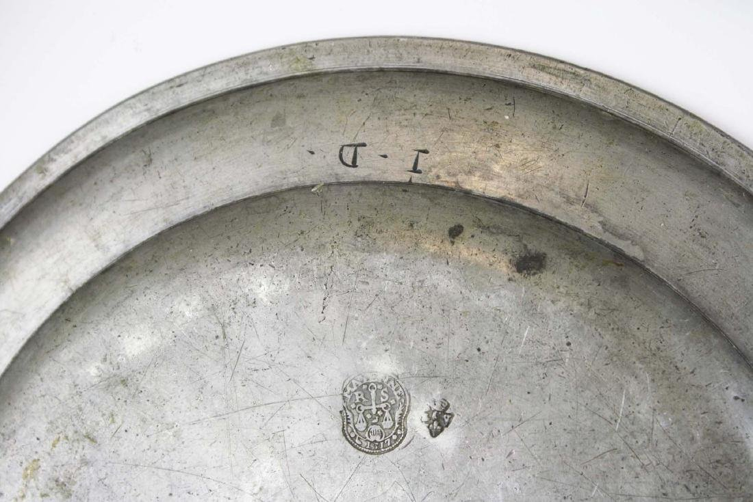 late 18th- early 19th c pewter chargers & basin - 3