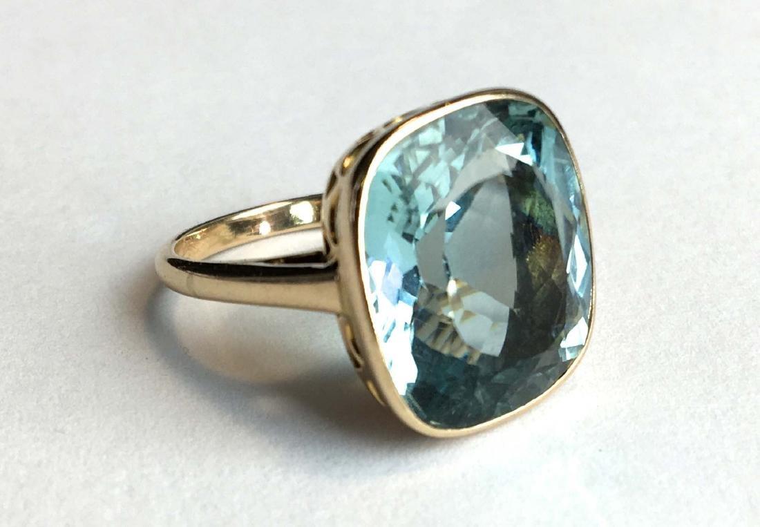 14k Yellow gold 12.50 ct aquamarine ring