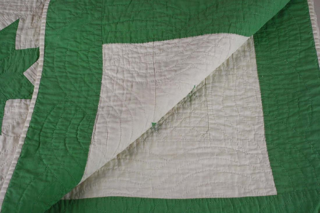 early 20th c green & white star pattern quilt - 6