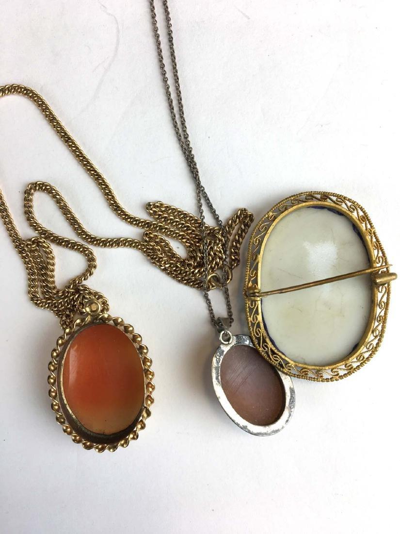 3 Victorian cameo pendant / brooches. - 2