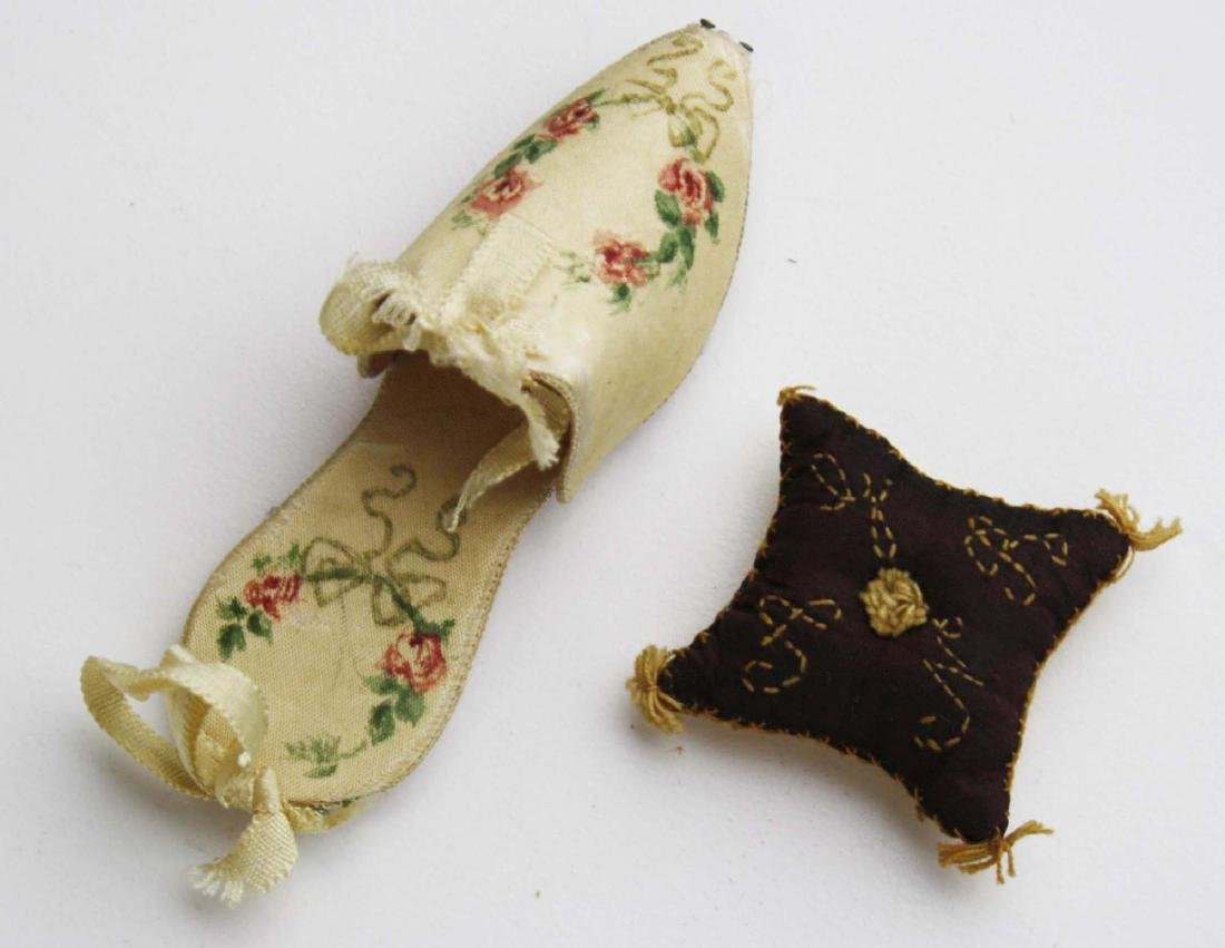 ca 1800 maternity, wedding shoe pin cushions - 4