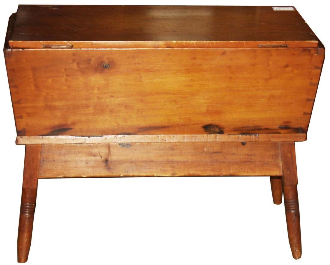 19th c. Pine dough Box