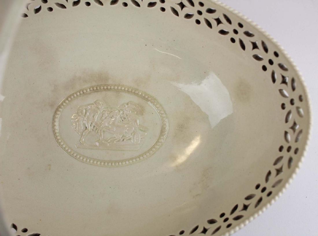 3 pcs of Wedgwood creamware pottery - 5