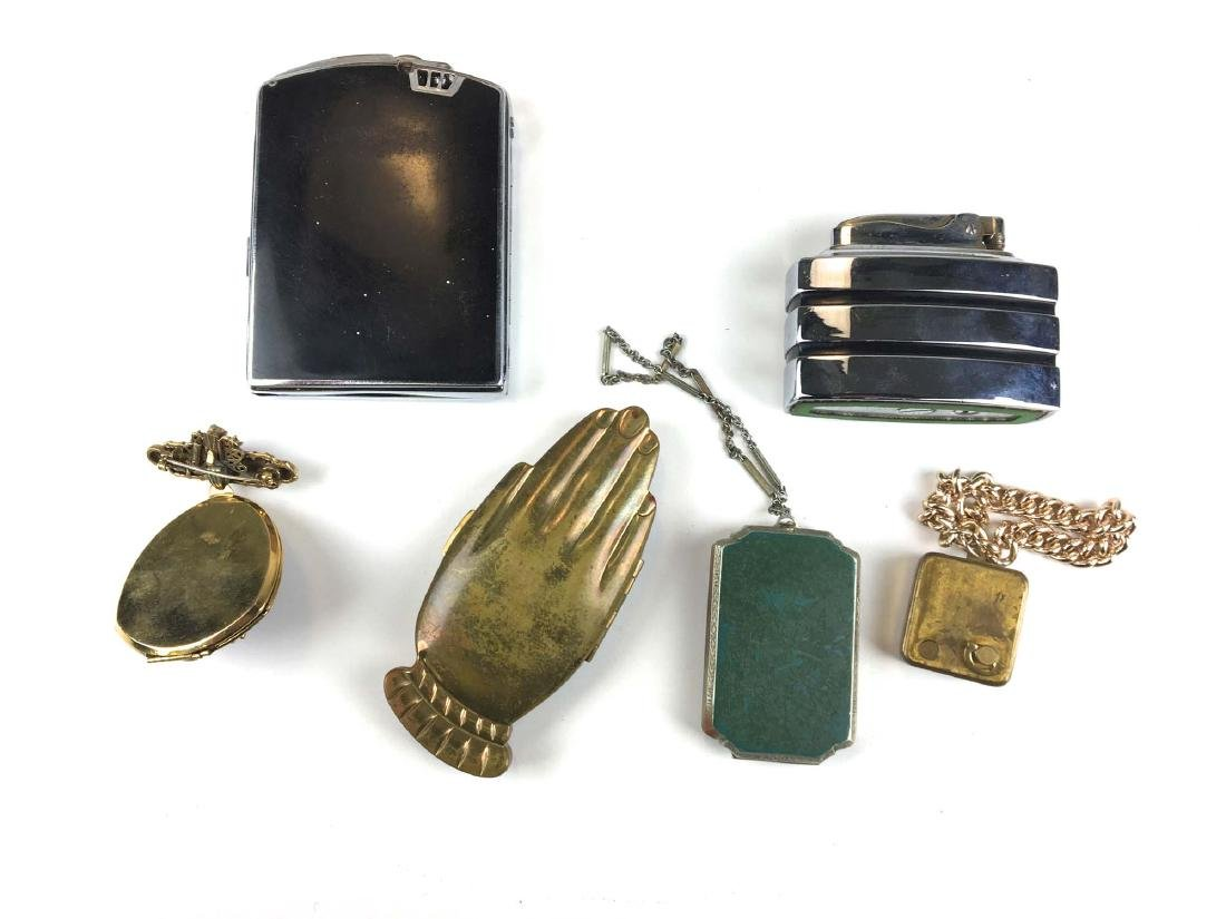 Group of vintage compacts and lighter. - 2
