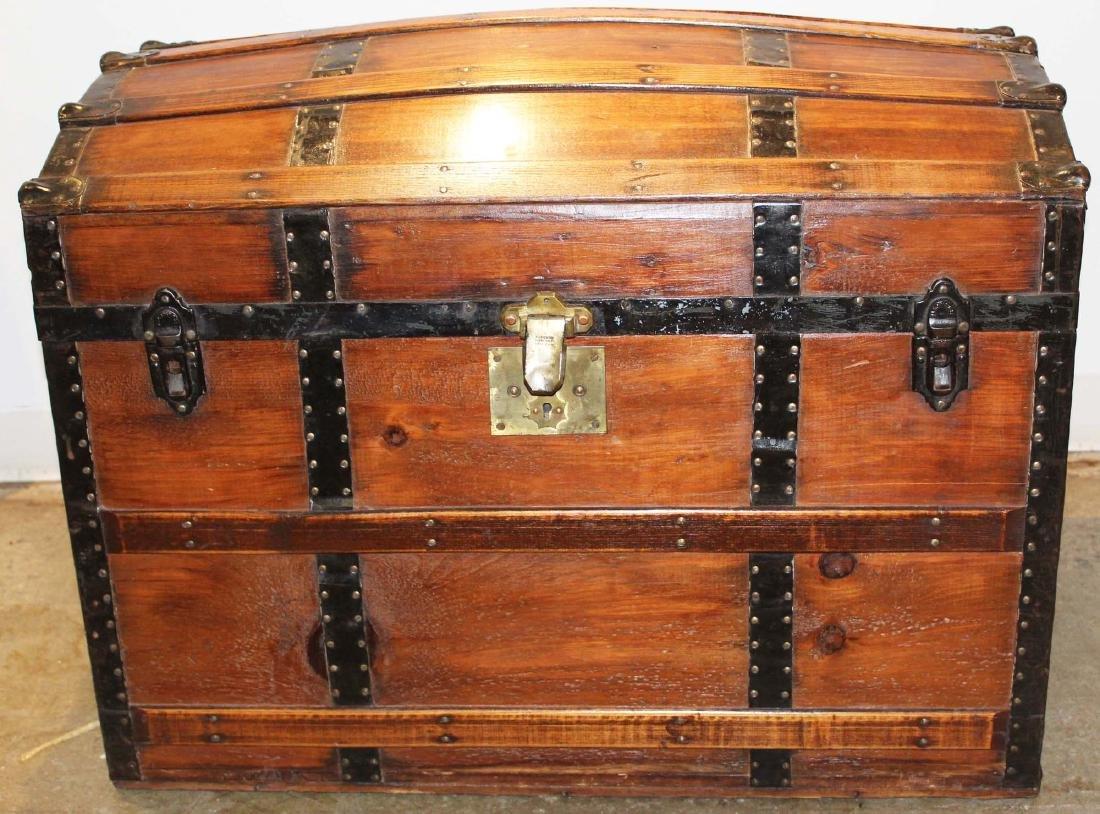 ca 1900 camel back trunk