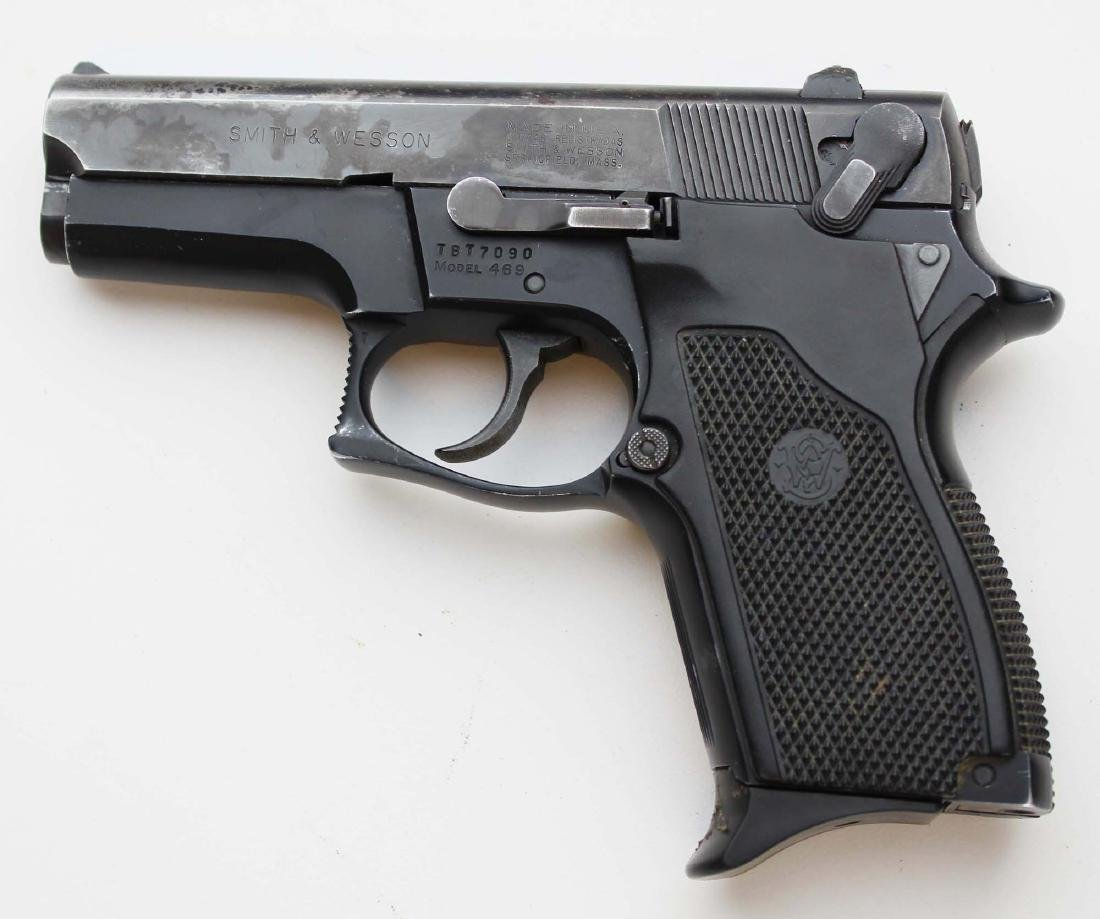 S&W Model 469 pistol in 9mm Parabellum - 2