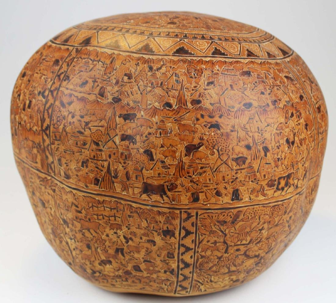 South American incised and decorated gourd - 3