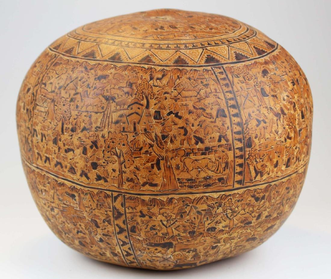 South American incised and decorated gourd - 6