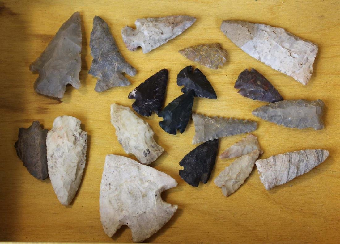 Prehistoric Native American lithic points - 3