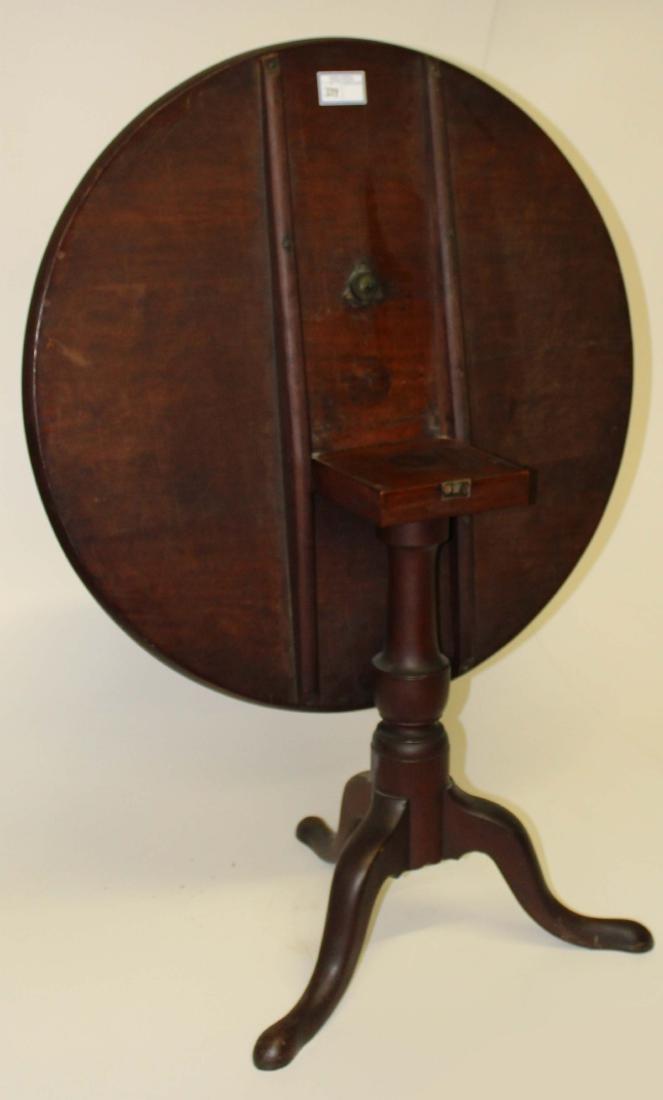 18th c QA cherry tilt-top tea table