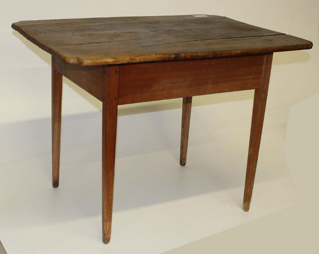 Hepplewhite Maple tap table
