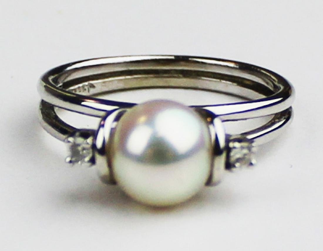 14kt w.g. diamond and pearl ladies cocktail ring