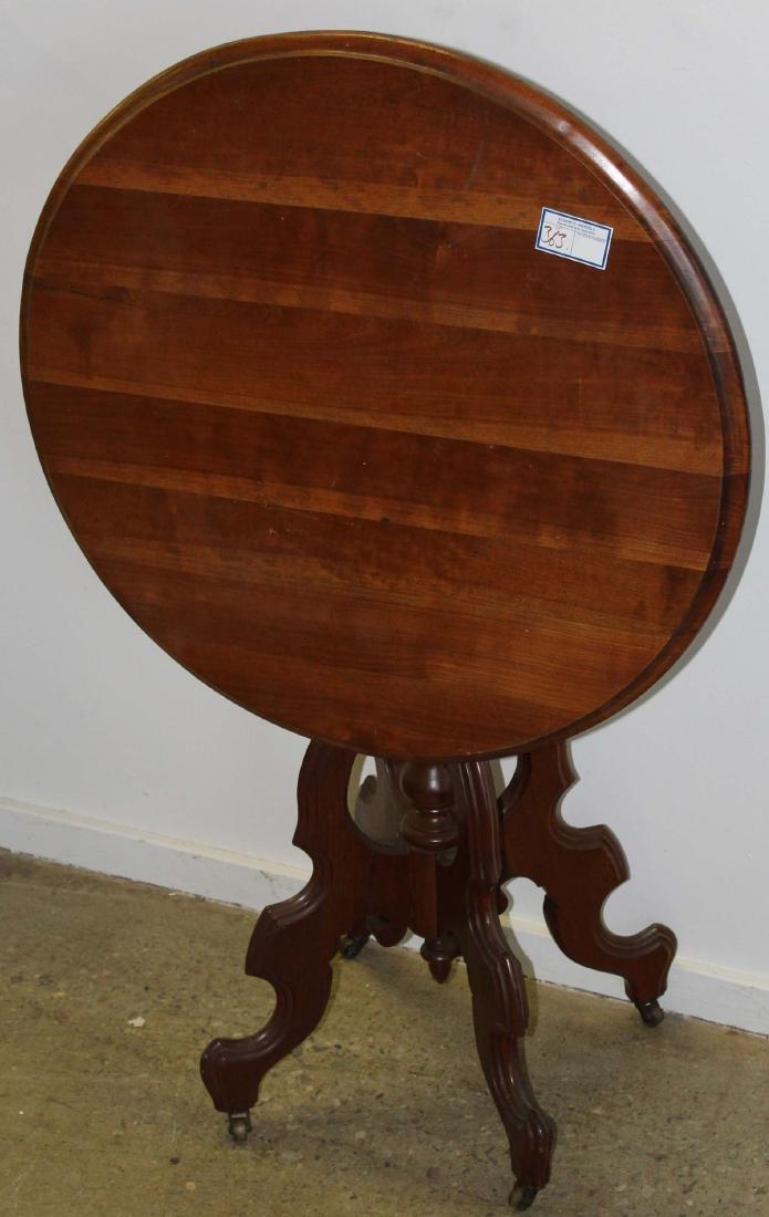 Victorian walnut tilt top tea table
