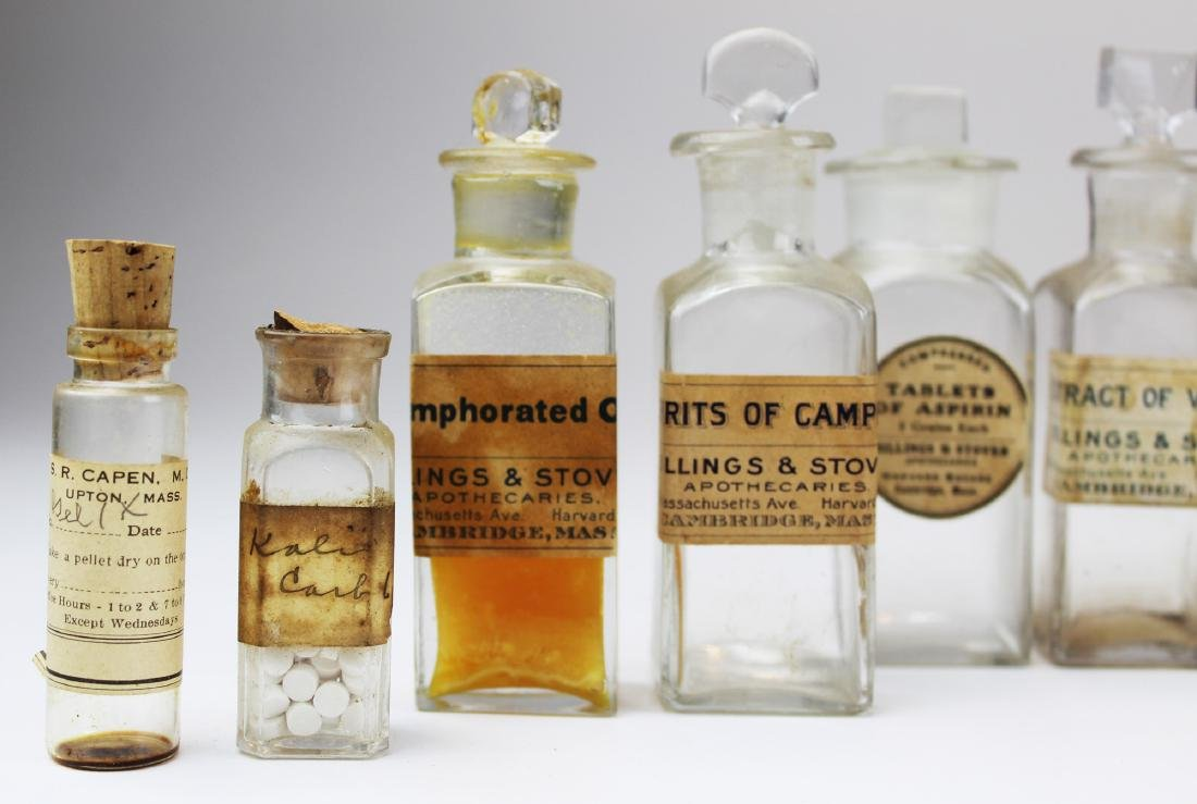 19th c walnut Pharmaceutical drug case - 5