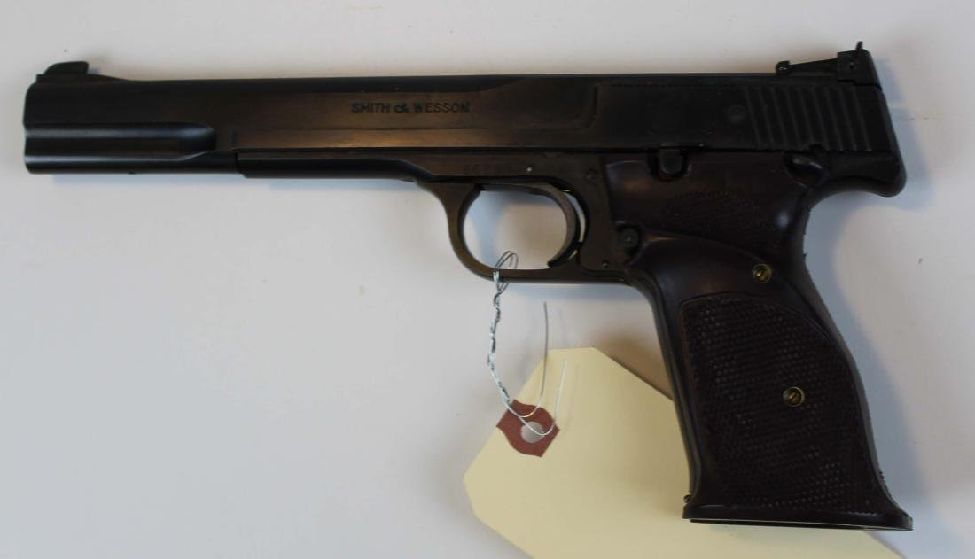 Smith and Wesson model 46 pistol in .22lr - 2