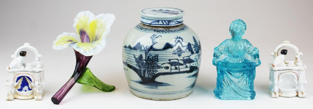 group of porcelain and glass incl. Canton