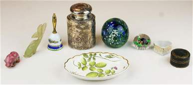Porcelains jade   Baccarat paperweights