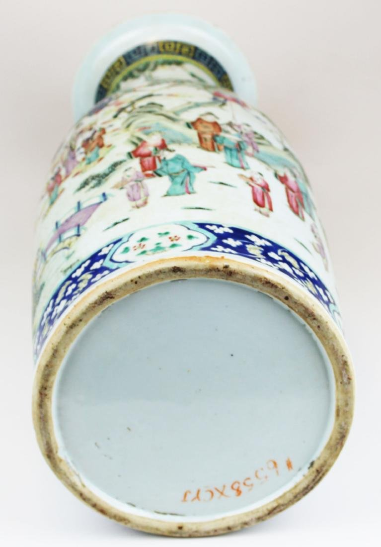 early 19th c Chinese rose medallion vase - 10