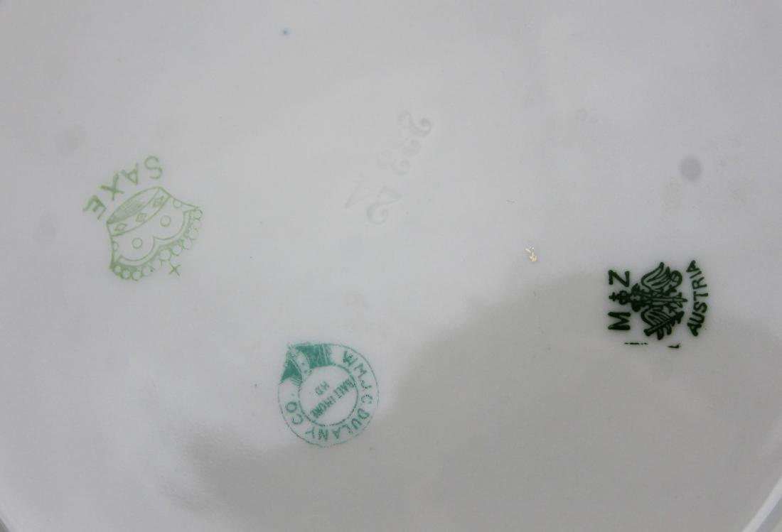 12 gilt Saxe Austrian porcelain soup plates - 4