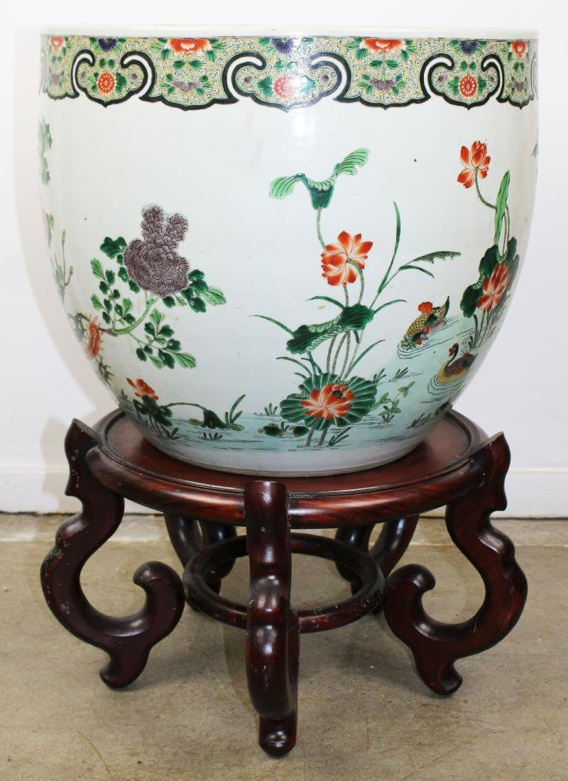 late 20th c Chinese Famille verte fish bowl - 3