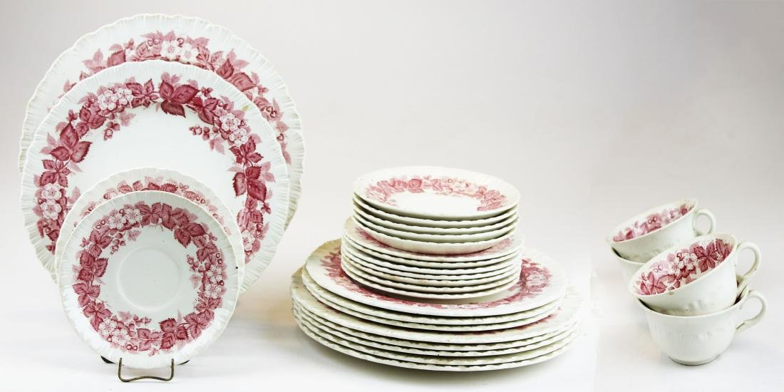 "28 pcs. Wedgwood ""Bramble"" porcelain"