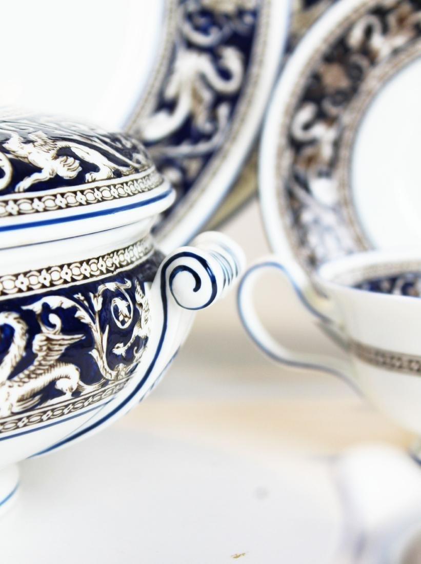 67 pcs. Wedgwood Florentine dinnerware - 6