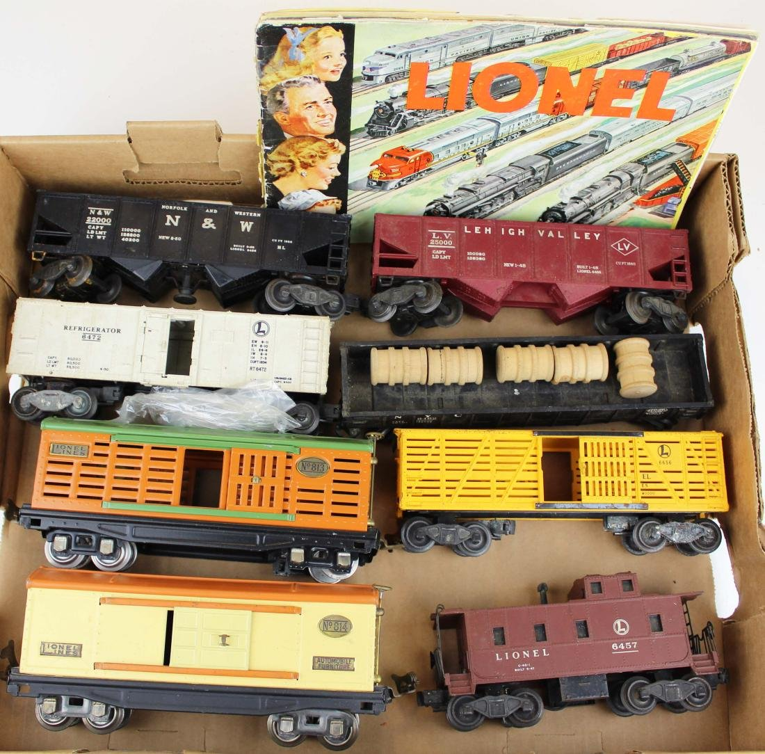 Lionel O gauge cars incl 813, 814 - 2