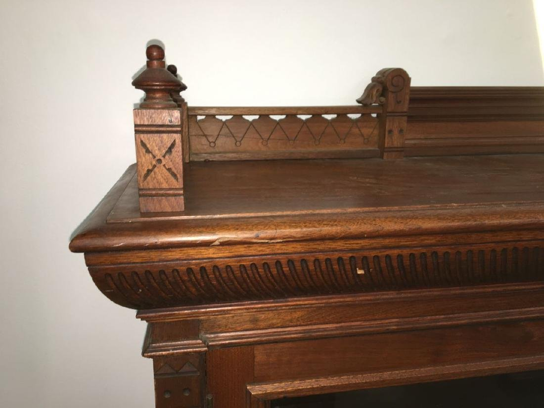 Victorian Eastlake mahogany 2 door bookcase - 4