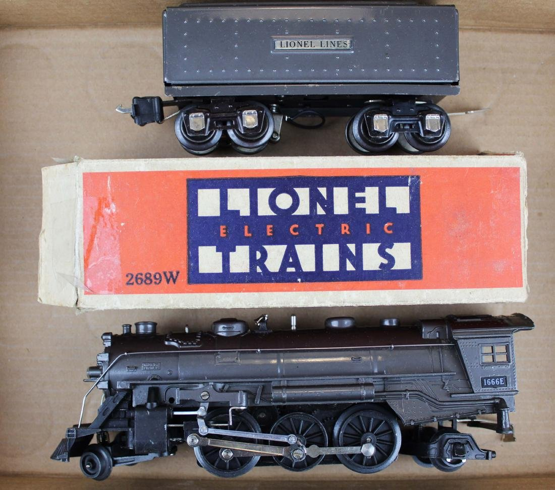 Lionel Pre-War 1666E with 2689W tender