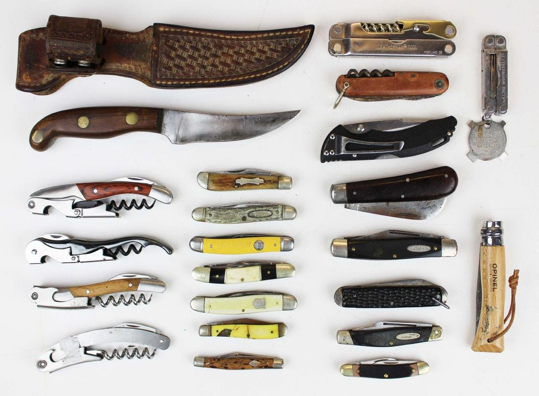 Lot of Pocket knives and Lee Jr Sheath Knife