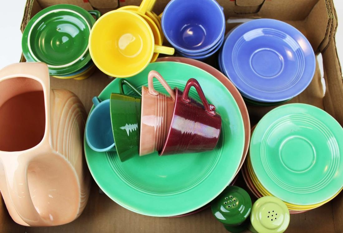 40 pcs. Homer Laughlin Harlequin dinnerware