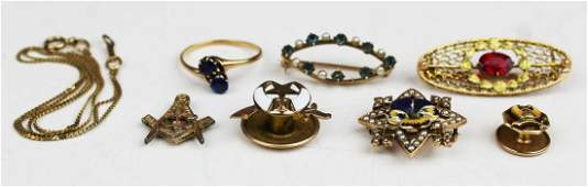 A group of various gold ca 1900 jewelry