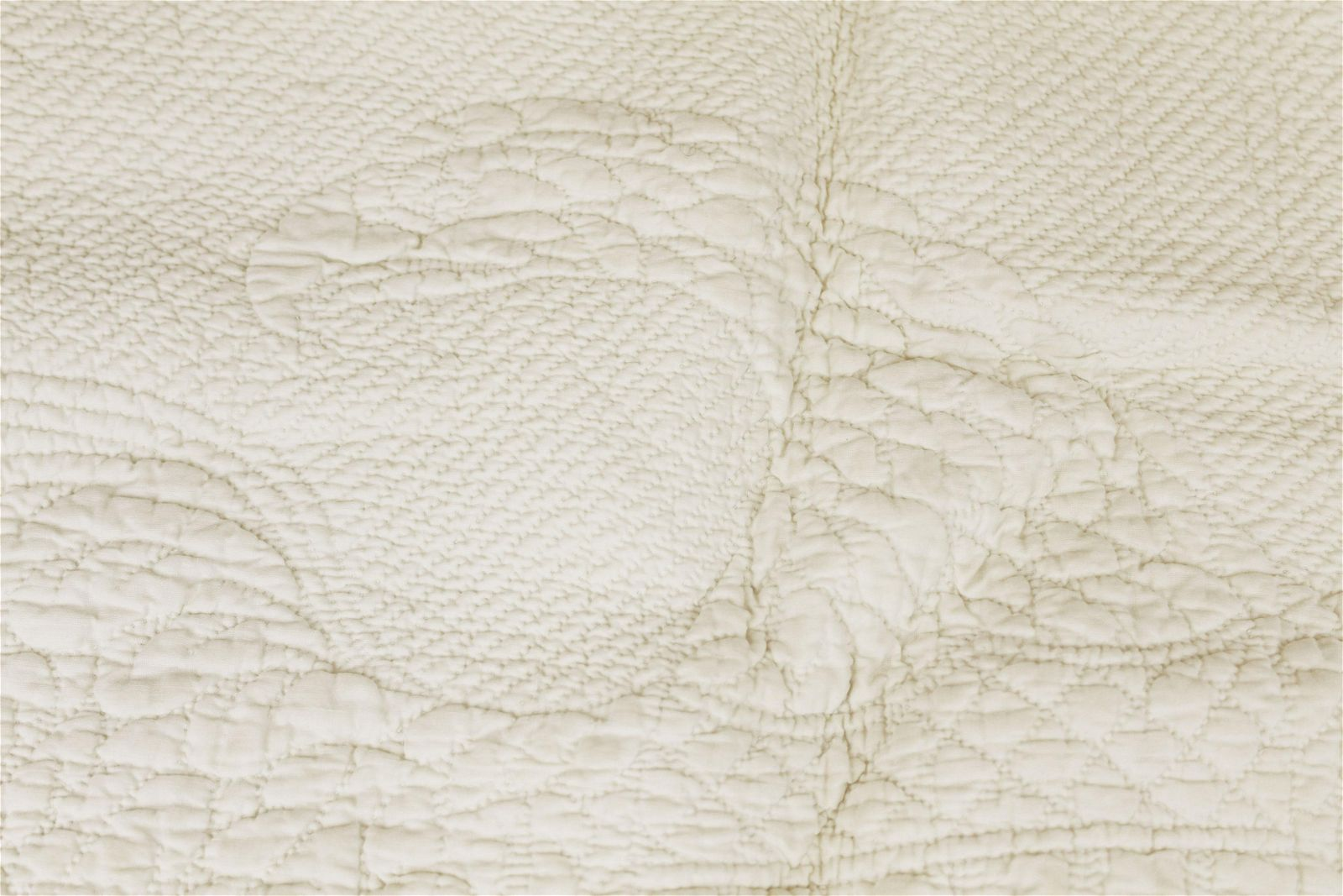 Federal eagle with 14 stars trapunto quilt