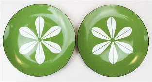 "two Catherineholm avacado green 10"" plates"