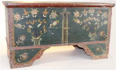 Wilno, Ontario paint decorated storage chest