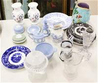 Group of Porcelain incl. Mulberry, Wedgwood