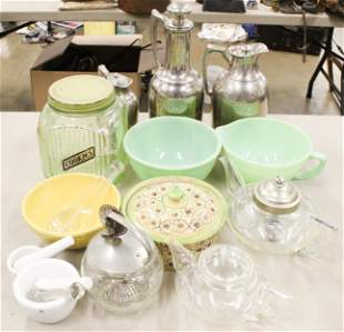 Lot of Vintage 1930's Kitchenware Items