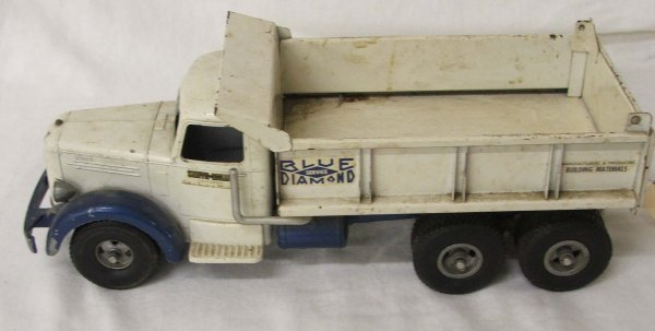 50: Smith-Miller Blue Diamond Mack dump truck