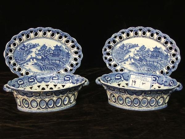 19: pair of Chinese export blue reticulated baskets wit