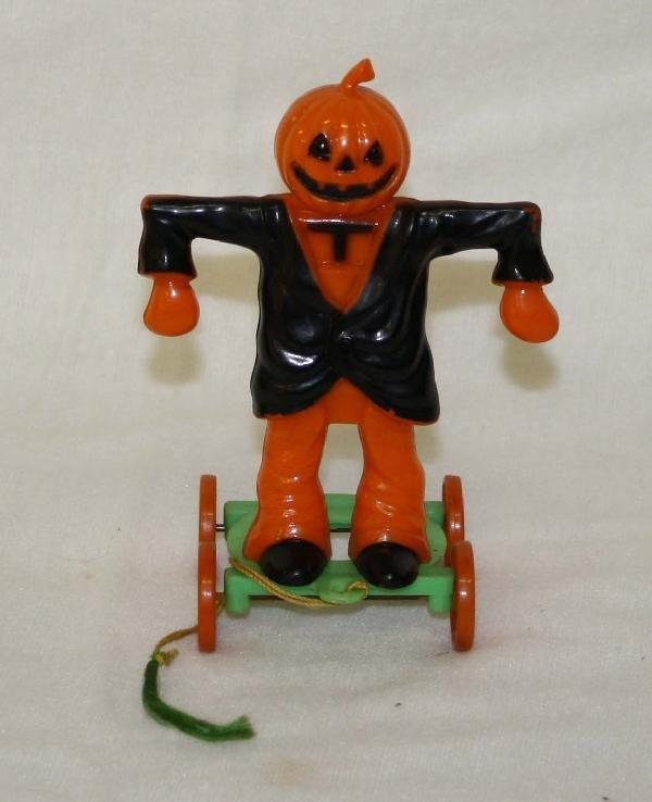 2: Rosbro Halloween jack o lantern on wheels
