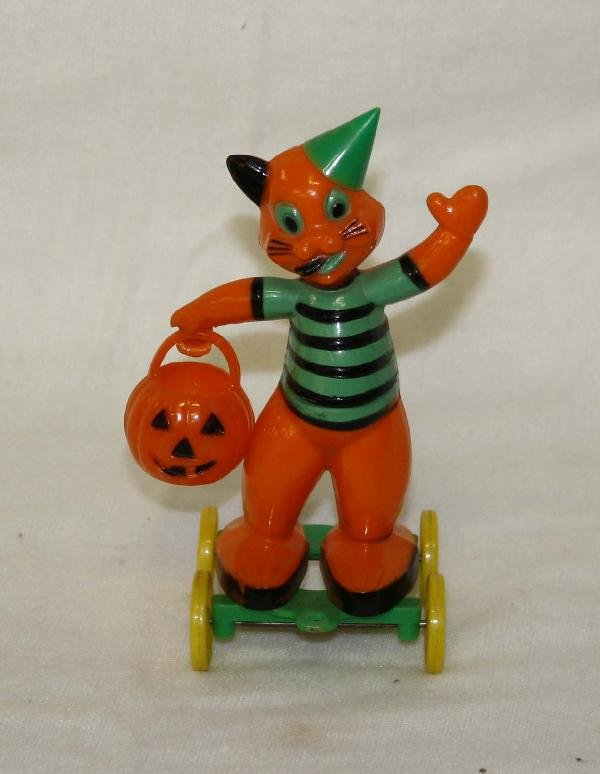 3: Rosbro Halloween cat on wheels figure