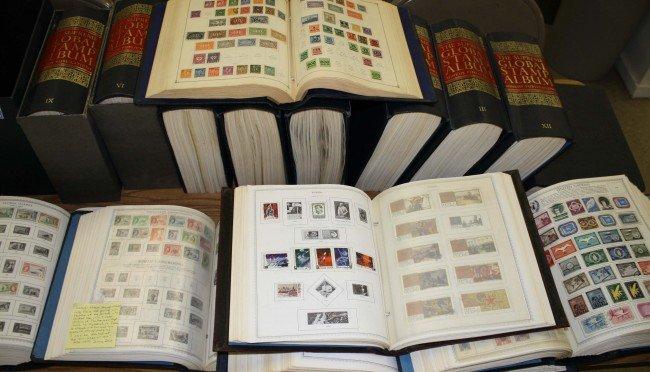 100: Large set World Stamp Albums 16 volumes