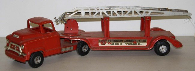 18: Buddy L 26 inch extension ladder trailer fire truck