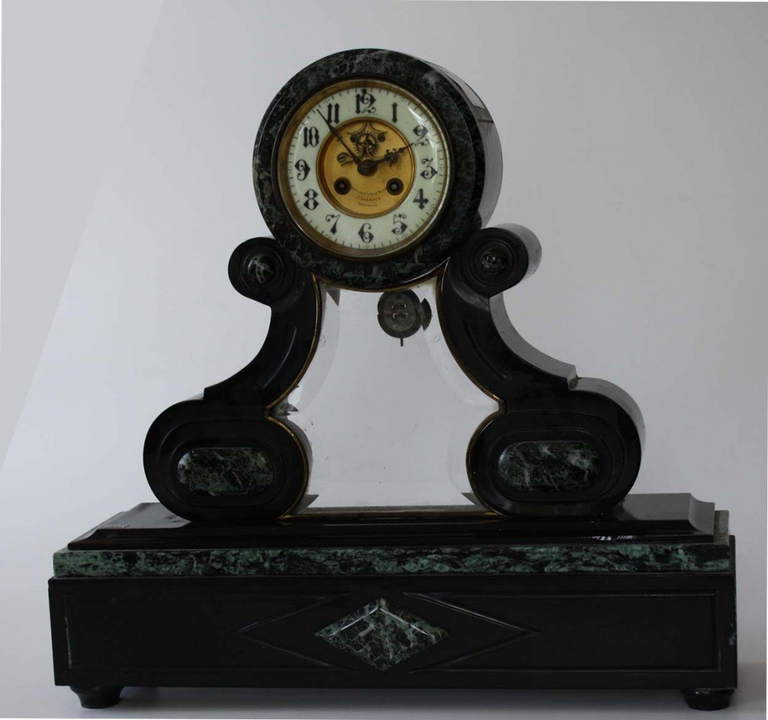 Classical green and black marble clock signed Hoar Loge