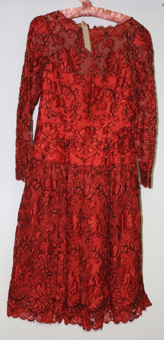 45: Michael Novarese red and black corded lace evening