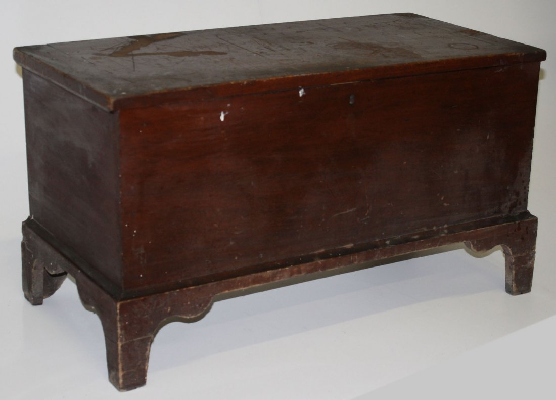 Pleasant Hill, KY. Shaker red pt. footed lift top