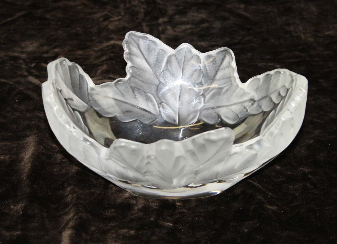Lalique France signed crystal art glass bowl w/foliate